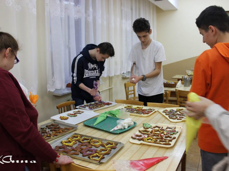 Wolontariackie przygotowania do Świąt