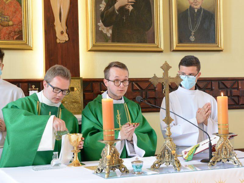 Prymicje kapłańskie w szkole