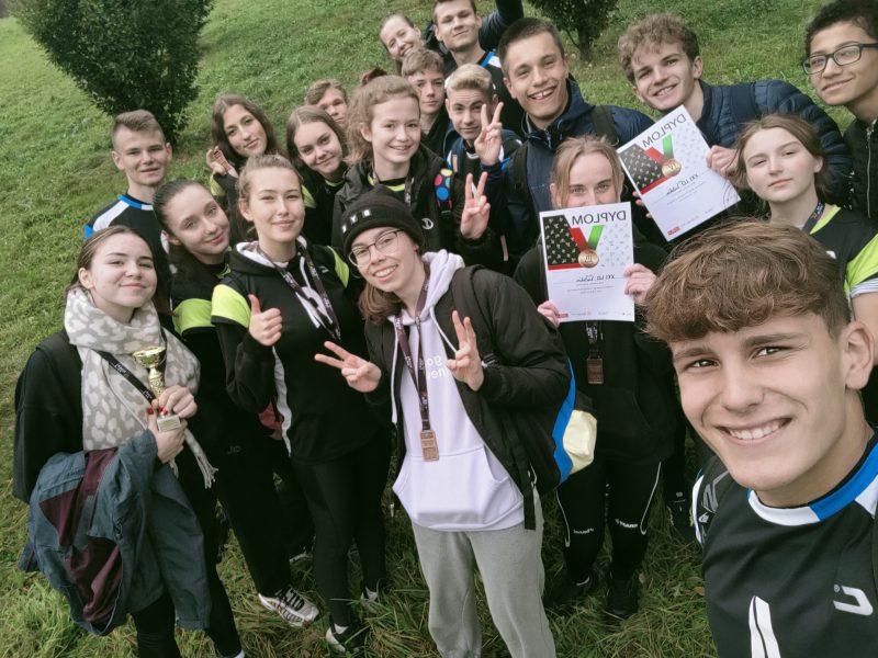Sukces naszych licealistek w Sztafetowych biegach przełajowych